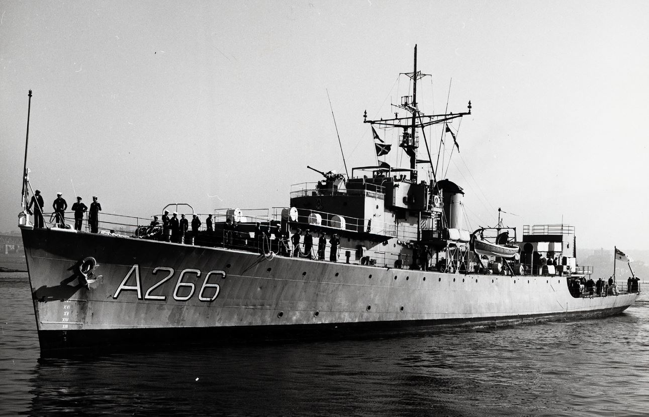HMAS DIAMANTINA 1stOCT.1945 DIEULOIS