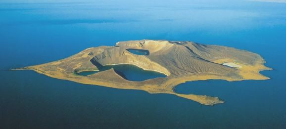 THE JADE SEA- TURKANA LAKE DIEULOIS